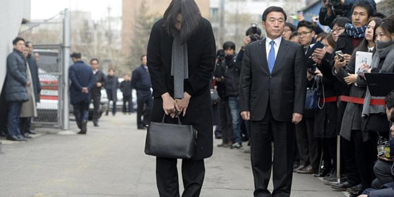 Korean Air executive jailed for 'nut rage'