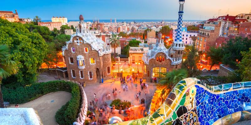 8 Reasons To Visit Barcelona Right Now