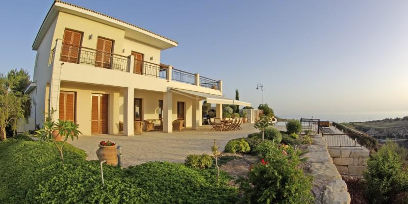 5 Reasons to Book a Villa Rather Than a Hotel