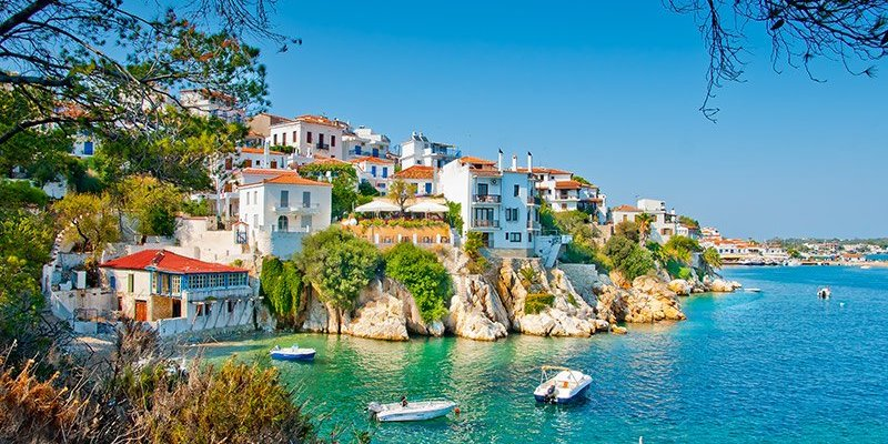 10 Stunning Photos Inspiring a Summer Holiday to Greece