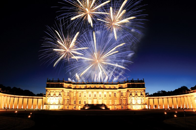 Hopetoun stately home fireworks, Edinburgh