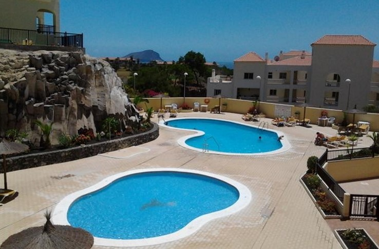 Shared pools in Tenerife