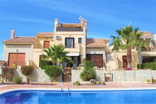 Villa to rent in Club de Golf La Finca, Spain