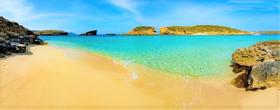 beaches in Malta