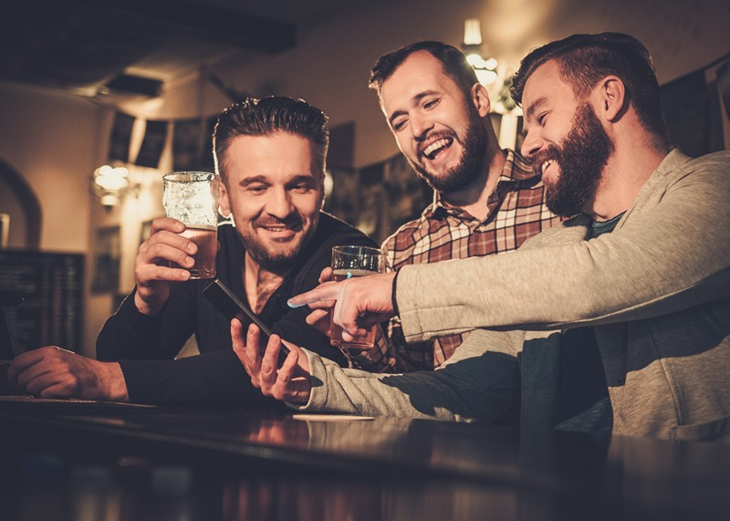 men drinking beer