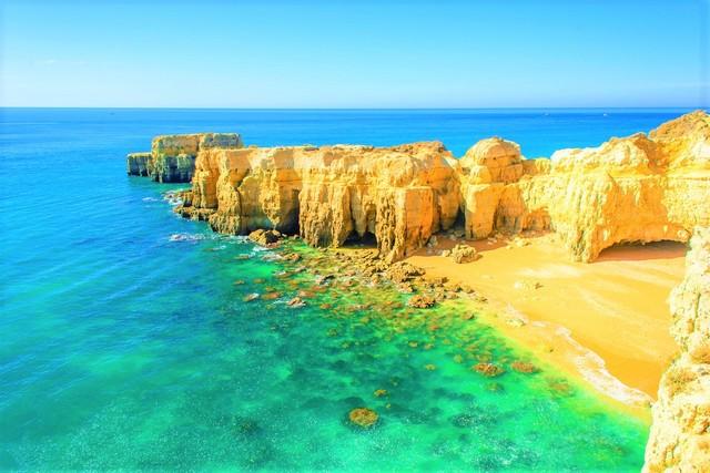 Albufeira Beach cliffs