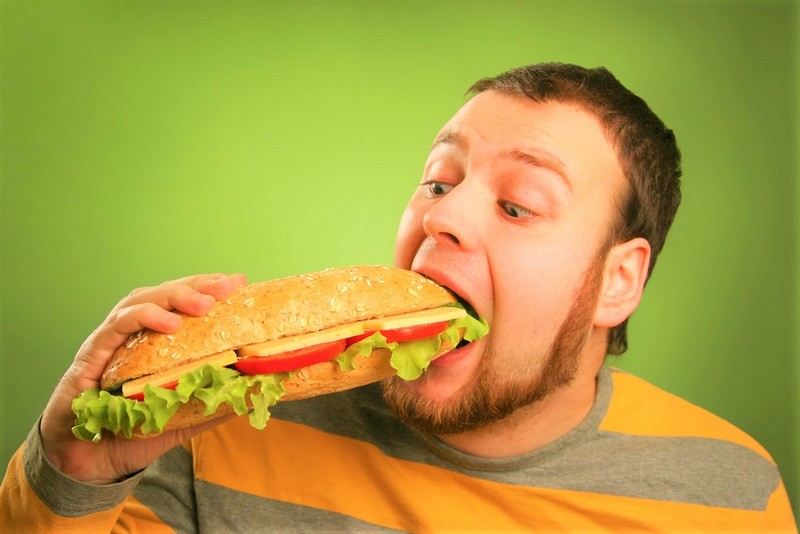 man eating sandwhich