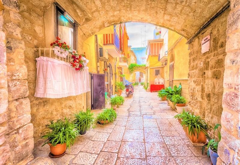 Puglia streets