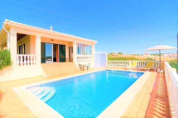villa in the algarve, Portugal with a large private pool