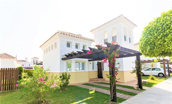 Villa to rent in La Torre Golf Resort, Spain