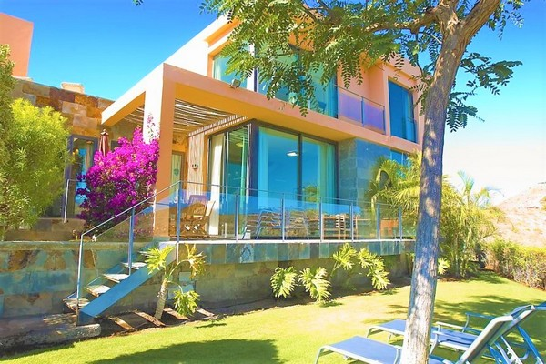 Villa to rent in Golf Resort Salobre Sur, Gran Canaria