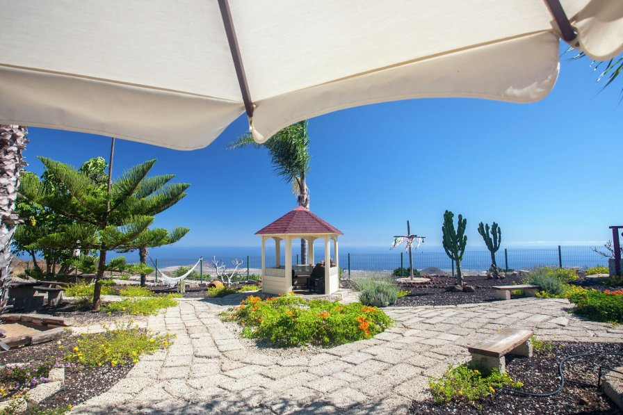 Apartment to rent in Tenerife with beautiful garden