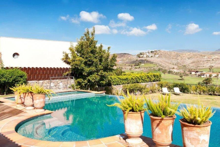 Private pool at villa in Gran Canaria