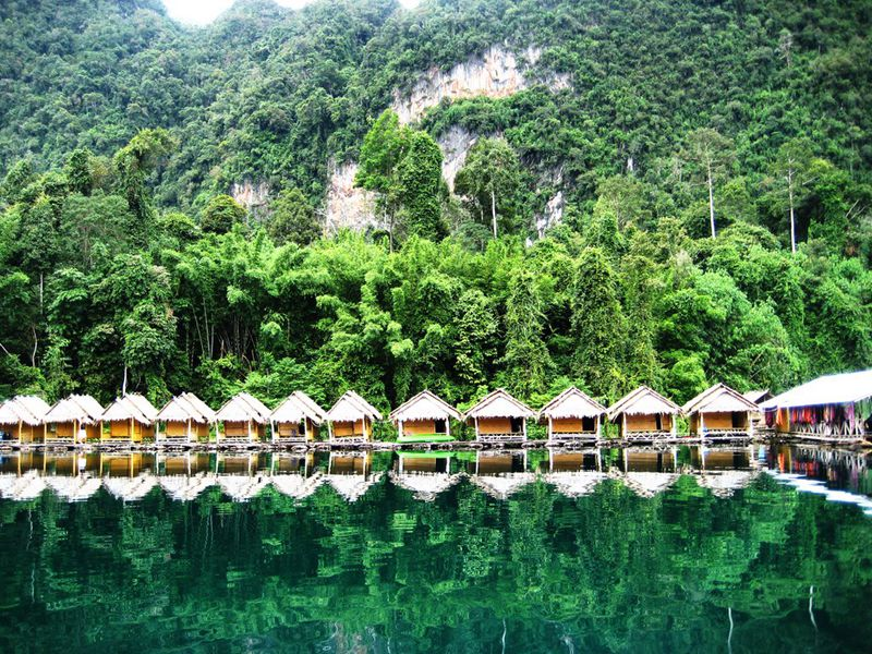 Khao Sok Floating Huts