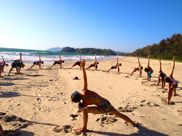 Yoga Agonda beach Goa