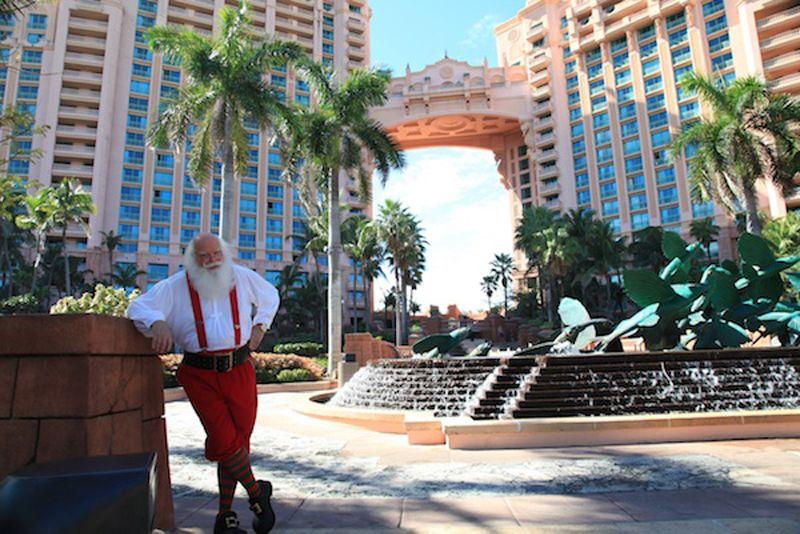 Dubai Atlantis Christmas Santa