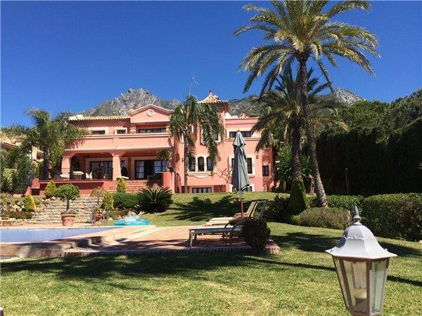 Love Island villa 5