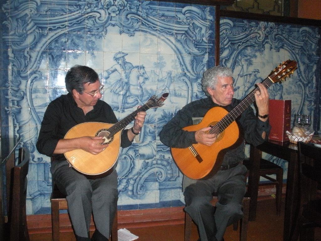Fado_musicians_Lisbon