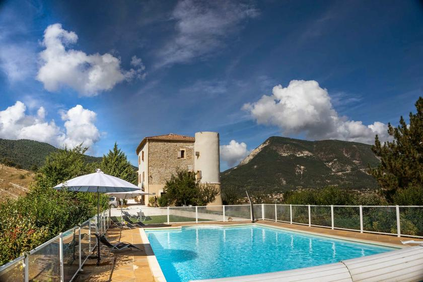 castle to rent in Haute Provence, France
