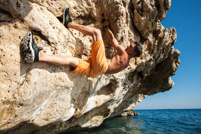 sea cliff climbing Malta