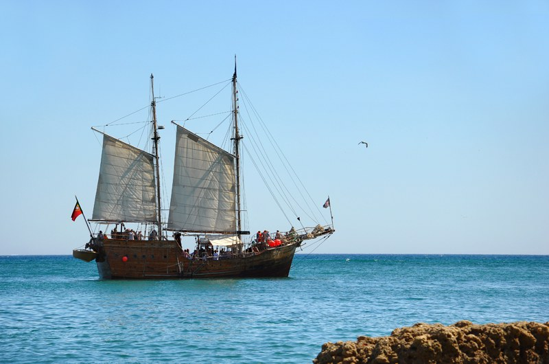 albufeira algarve pirate ship cruise