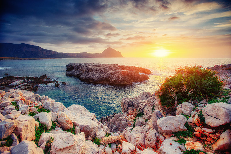 Explore the coast by boat Trapani