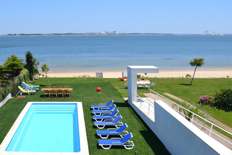 Villa Lara on the beach Trioa, Lisbon Coast