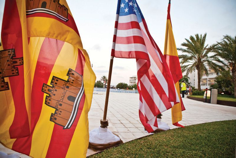 Spain and USA flags