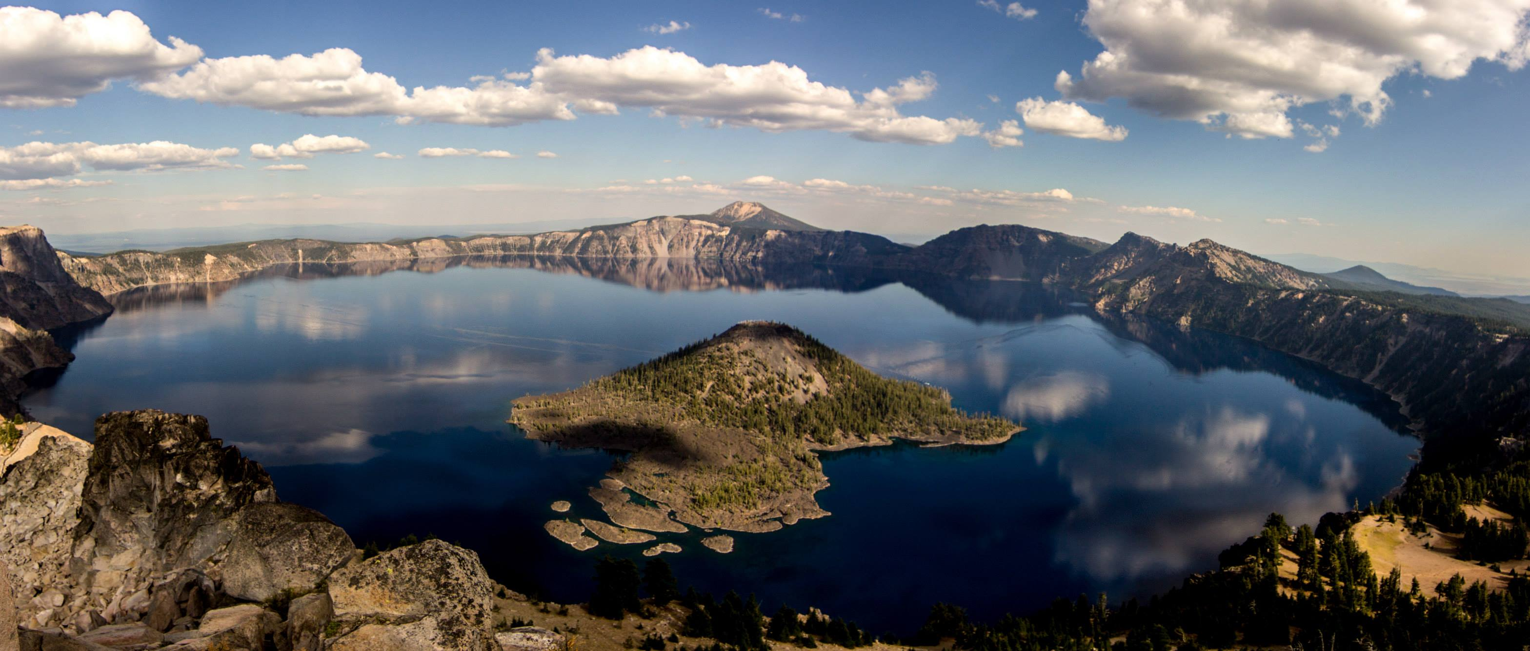 crater lake - Lakes in USA