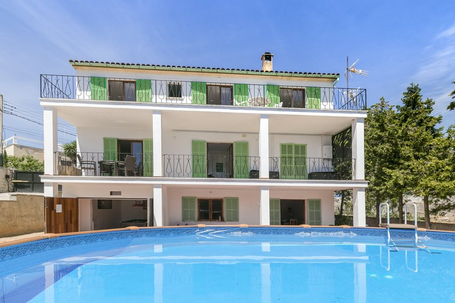 Large Palma de Majorca pool villa