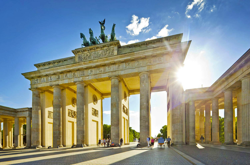 Holidays in Germany, Brandenburg Gate in Berlin