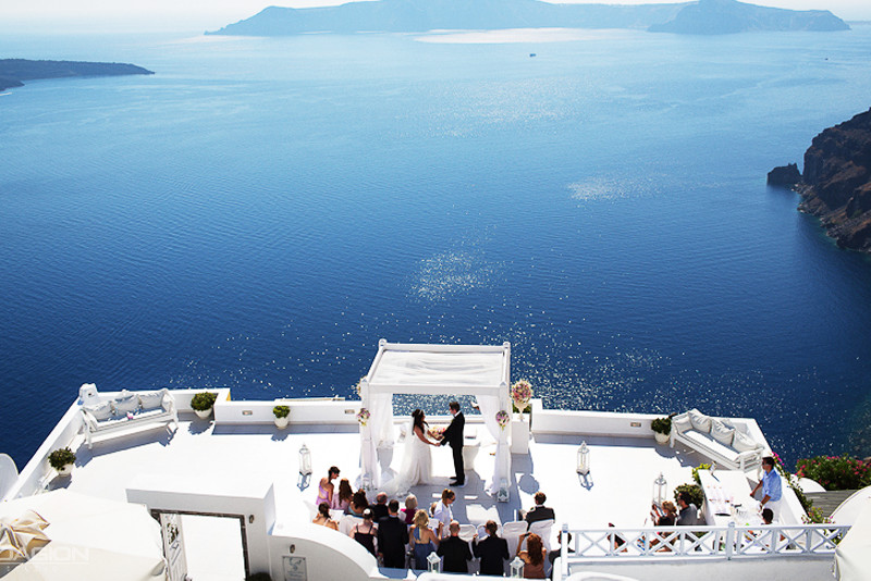 A lovely wedding in Santorini, Greece