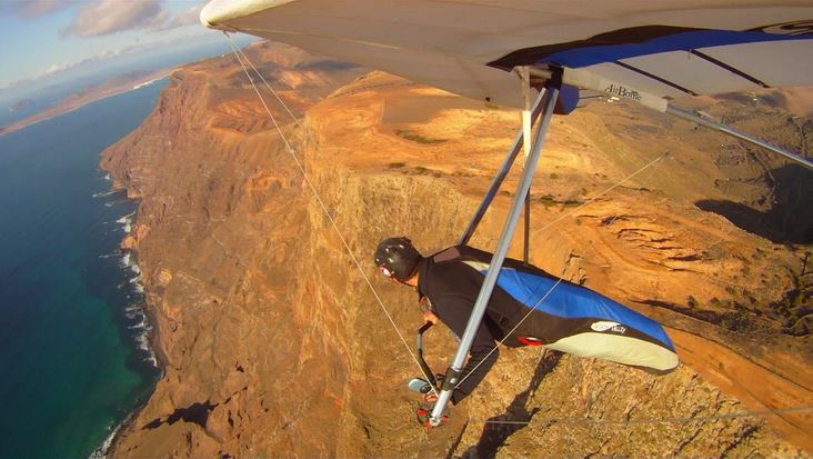 Hand gliding in Lanzarote