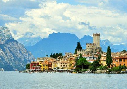 Villas and apartments in Lake Garda