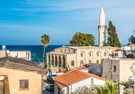 Villas and apartments in Larnaca