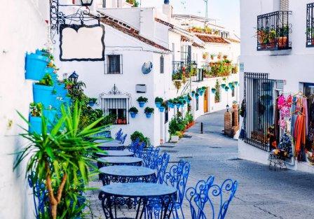 Villas and apartments in Costa del Sol