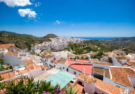 Villas and apartments from Malaga to Nerja