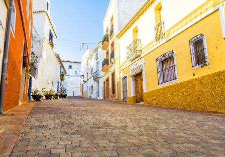 Villas and apartments in Alicante