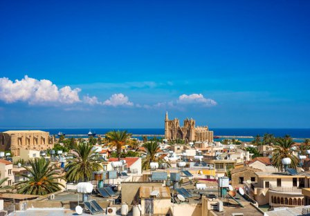 Villas and apartments in Famagusta South