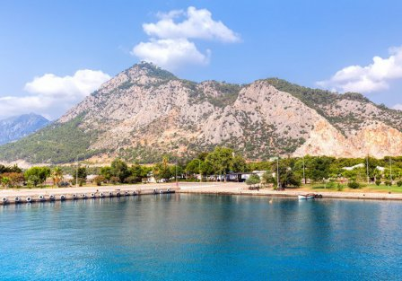 Villas and apartments in Kemer