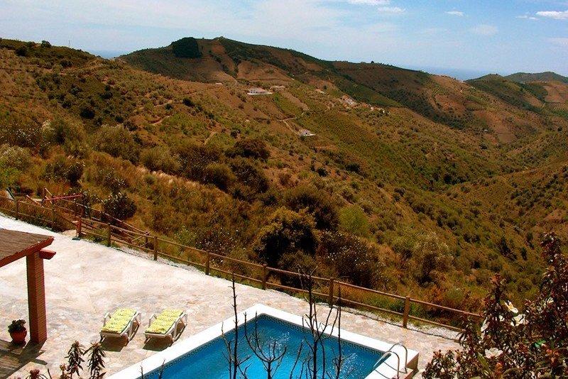 3 bedroom finca with private pool in Salares, Costa del Sol. Great views!