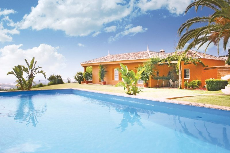 Traditional 4 bedroom villa with priavte pool in Costa Tropical, Andalucia