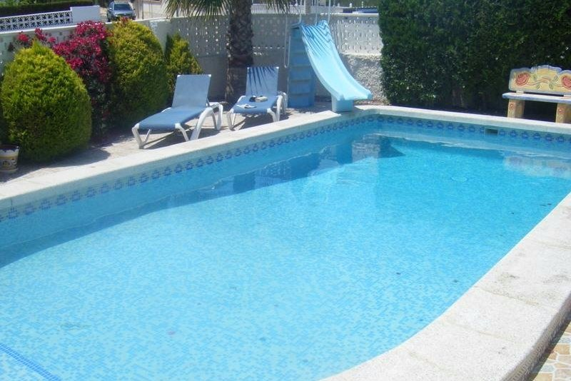 Large, newly refurbished 5 vedroom villa in Costa Blanca. Kids welcome!
