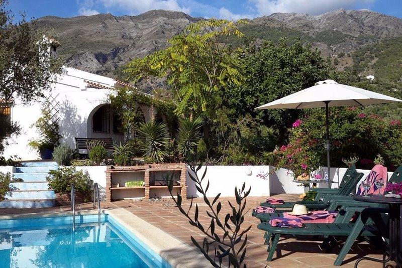 Charming 3 bedroom villa with private pool in Costa del Sol, Spain.