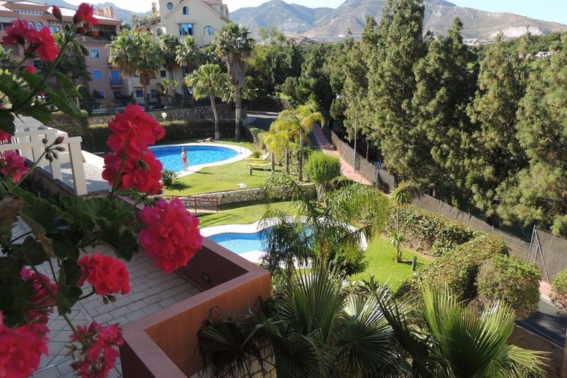 2 bedroom apartment in Costa del Sol with two shared pools and near the beach.