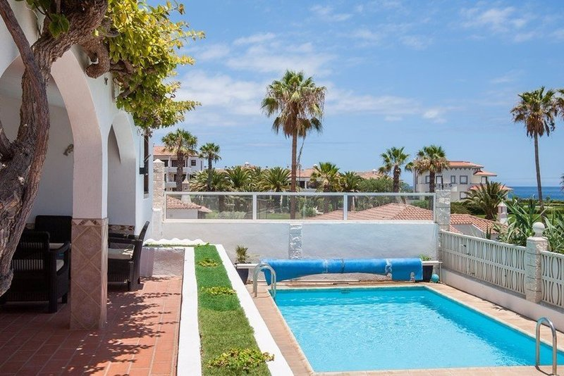 Immaculate 3 bedroom villa with heated private pool in Golf del Sur, South Tenerife.