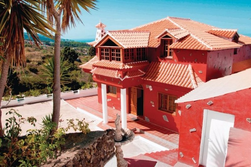Charming 5 bedroom cottage with swimming pool in Icod de los Vinos, North Tenerife. In a quiet rural area and perfect for nature lovers.