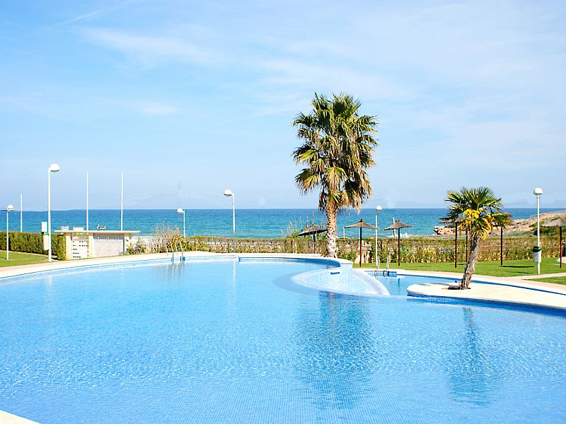 Apartment in Spain, Alcossebre: Pool to beach
