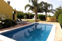 Villa in Portugal, Fuseta: Swimming Pool with Patio