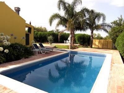 Villa in Portugal, Fuseta: Swimming Pool with Patio